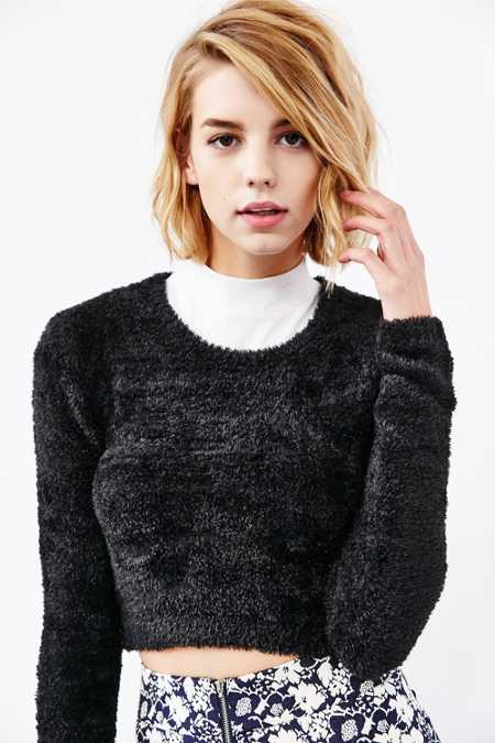 Olive & Oak Fuzzy Cropped Sweater