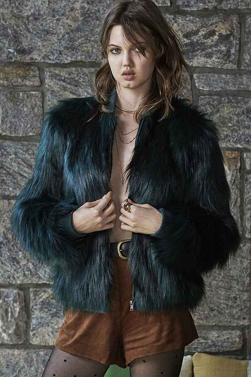 b77106e40 Silence + Noise Faux Fur Zip-Up Jacket - Urban Outfitters