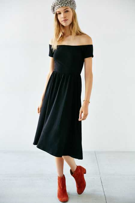 Kimchi Blue Off-The-Shoulder Midi Dress