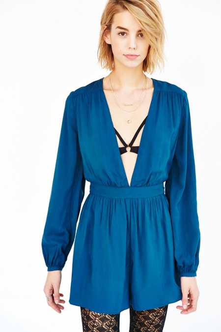 Ecote Charlotte Plunging Long-Sleeve Romper