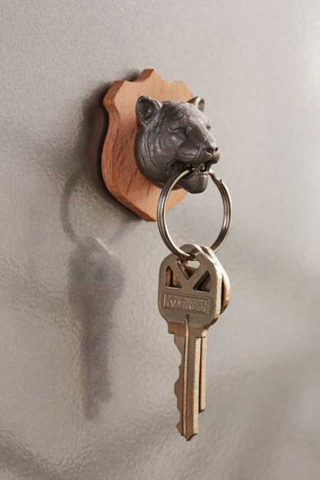 Wall-Mounted Tiger Key Holder