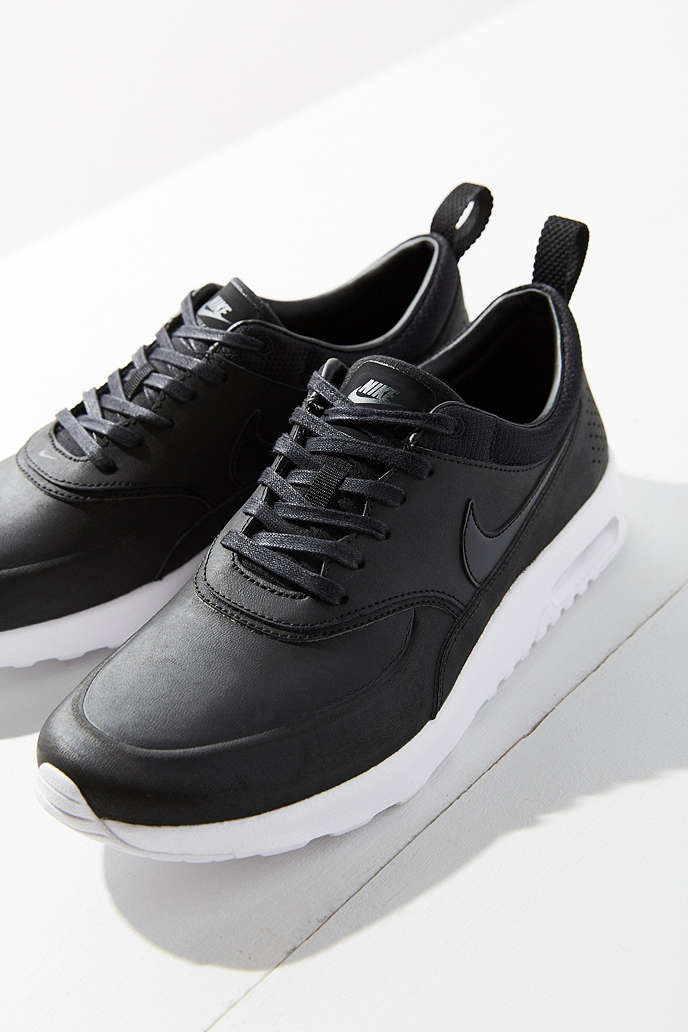 Air Max Thea Shoes. Nike IE.
