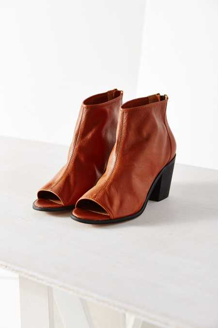 Kelsi Dagger Brooklyn Kyoto-2 Ankle Boot