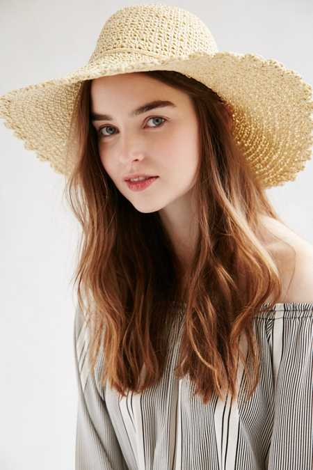 Scalloped Femme Straw Floppy Hat