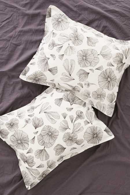 Plum & Bow Floral Pillowcase Set