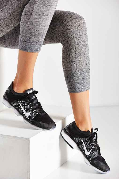 Nike Women's Zoom Fit Agility 2 Training Sneaker,BLACK,8.5