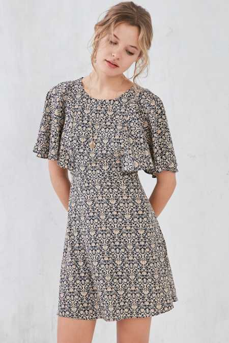 Kimchi Blue Flutter-Sleeve Damask Print Mini Dress