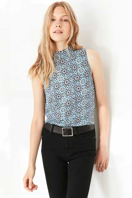 Ecote Geo Mock Neck Blouse