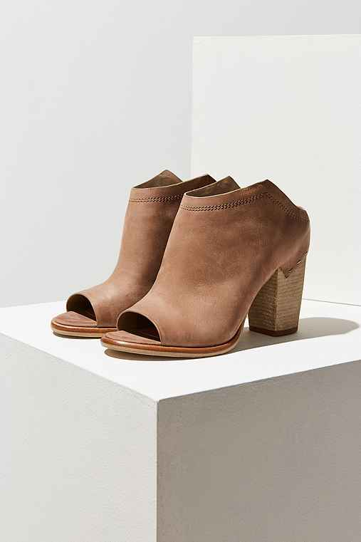 Dolce Vita Noa Ankle Boot,TAUPE,10