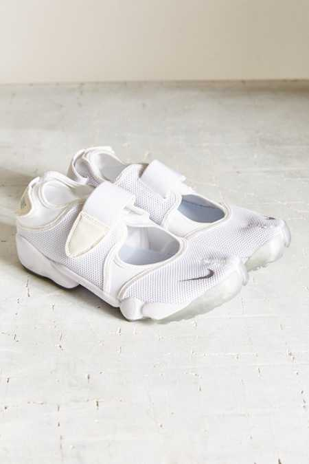 Nike Air Rift Running Sneaker