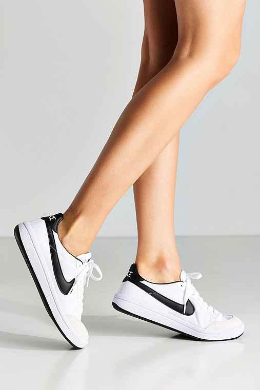 Nike Meadow 16 TXT Sneaker,BLACK & WHITE,6.5