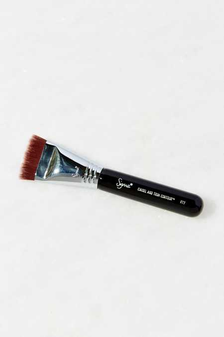 Sigma Beauty F77 Chisel + Trim Contour Brush