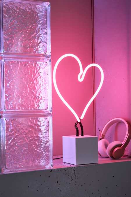 Neon Mfg. Neon Heart Table Lamp