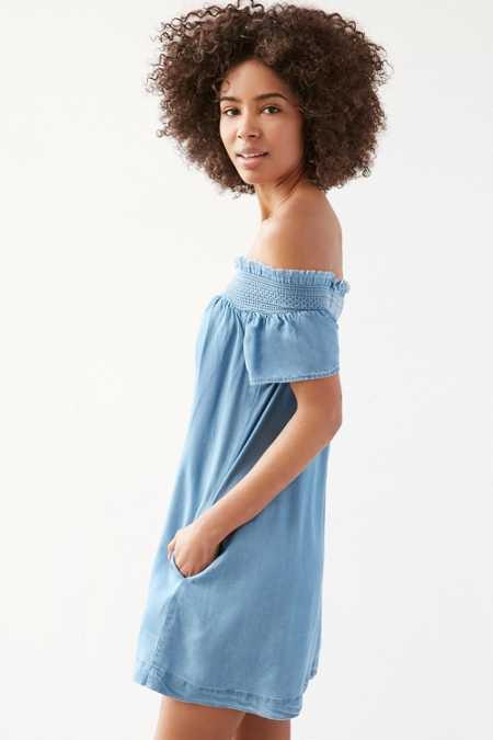 Alice & UO Hermione Denim Off-The-Shoulder Mini Dress