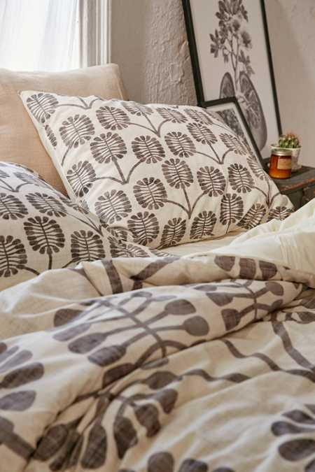Holli Zollinger For DENY Thistle Pillowcase Set