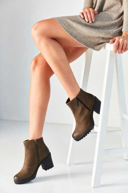 Vagabond Nubuck Grace Double Zip Ankle Boot