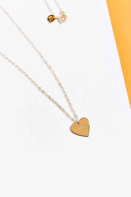 UO Souvenir X Seoul Little Heart Necklace,BBQ,ONE SIZE