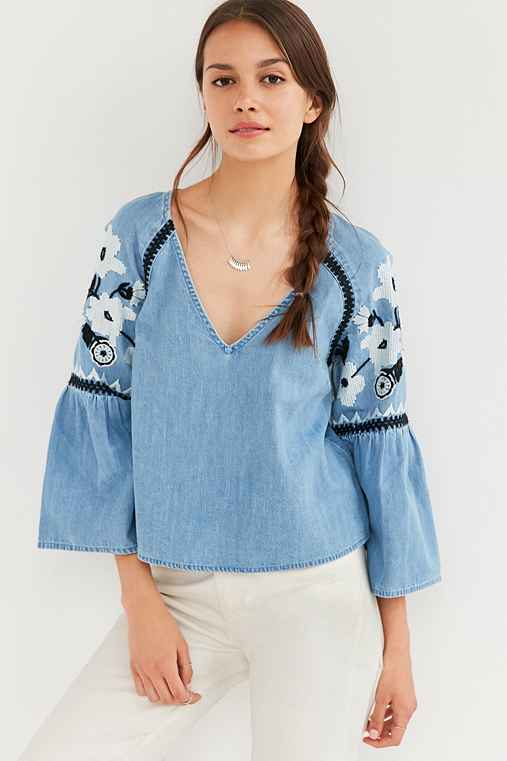 Kimchi Blue Mila Embroidered Chambray Top,LIGHT BLUE,S