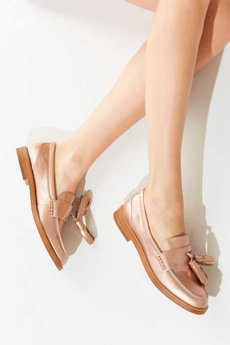 Kelsi Dagger Brooklyn Gwen Tassel Loafer