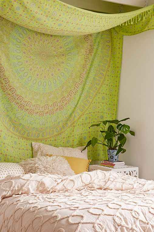 Maina Medallion Tapestry,LIME,ONE SIZE