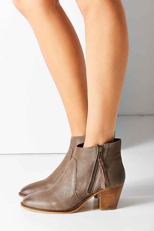 Faye Leather Boot,GREY,9