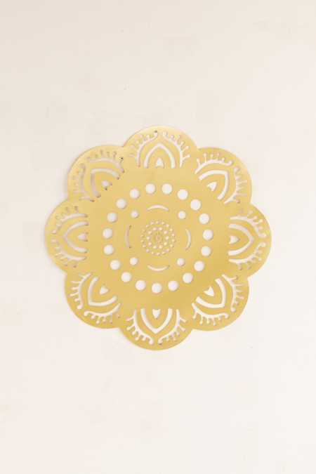 Hanging Metal Medallion Wall Decor