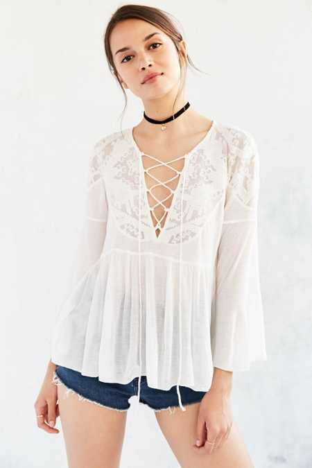 Ecote Vero Lace-Up Babydoll Blouse