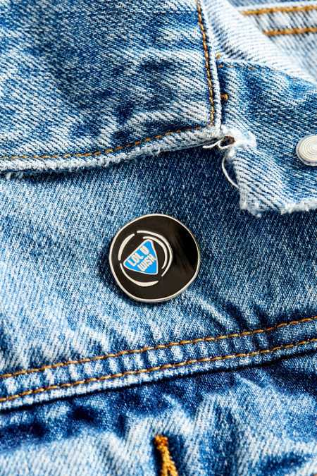 Big Bud Press Magic Eight Ball Pin