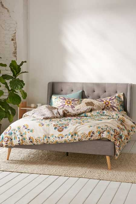 Esme Tufted Bed