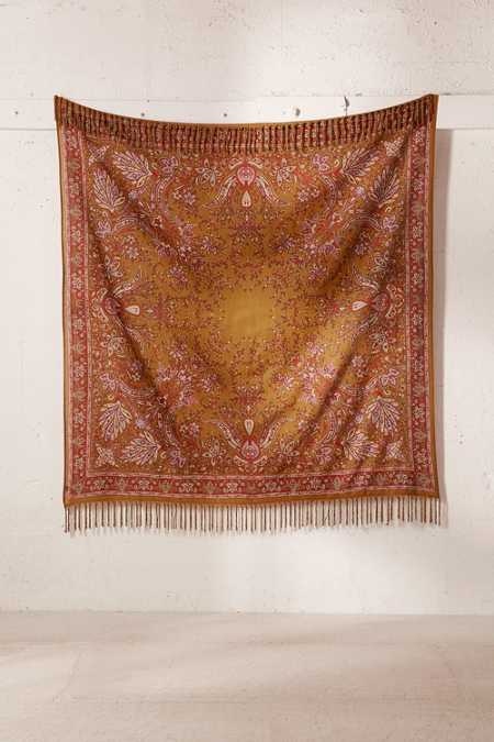 Oriel Medallion Tapestry