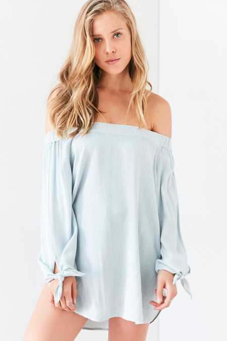 BDG Chambray Off-The-Shoulder Blouse