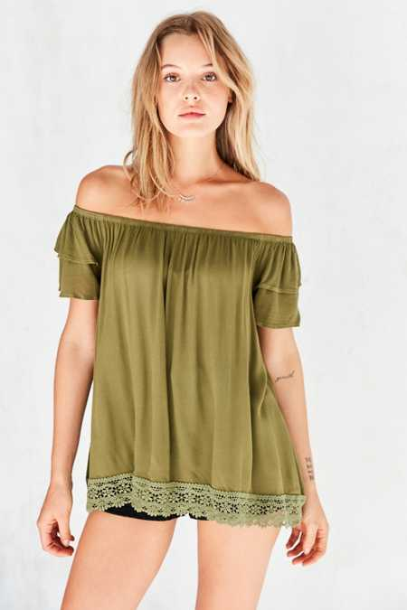 Ecote Rosie Tiered Ruffle Off-The-Shoulder Blouse