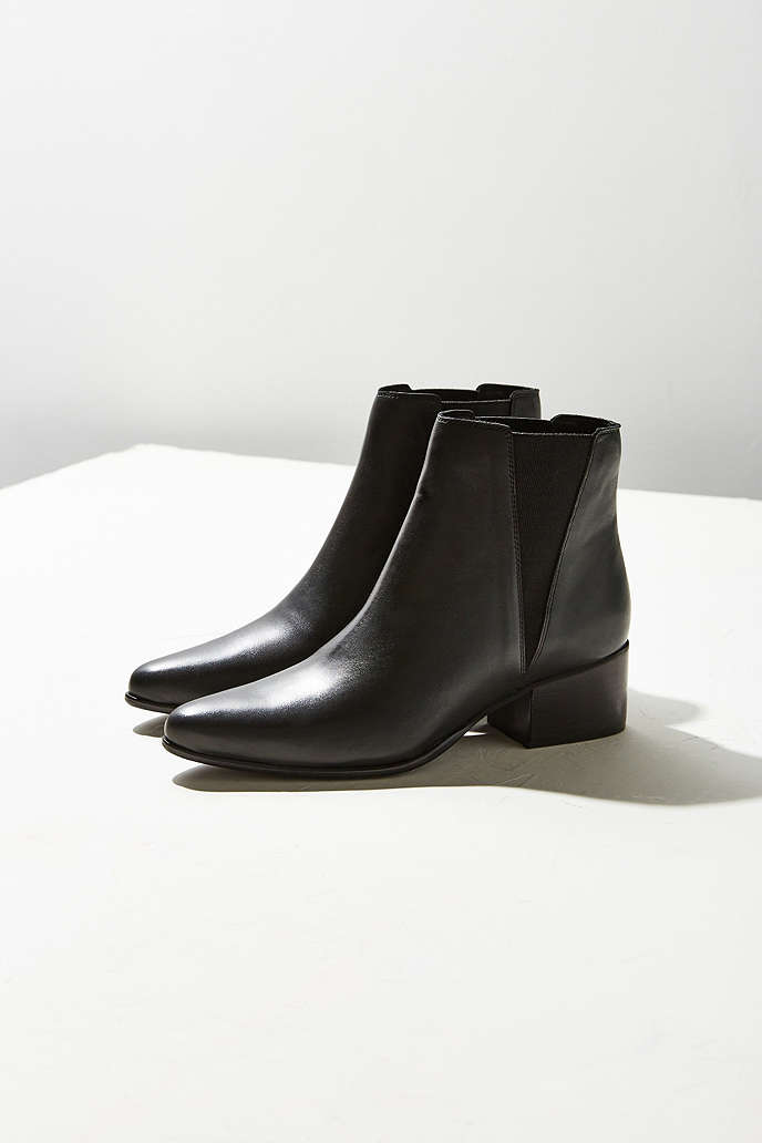 Boots   Booties for Women - Urban Outfitters