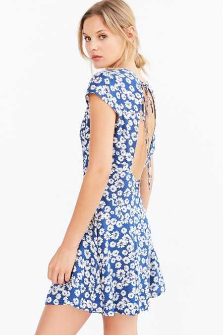 Kimchi Blue Flirty Open-Back Fit + Flare Dress