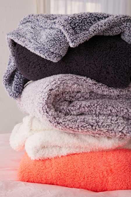 Amped Fleece Throw Blanket