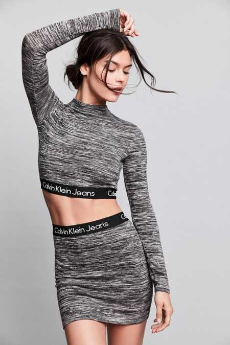 Calvin Klein For UO Long-Sleeve Space-Dye Mock-Neck Cropped Top