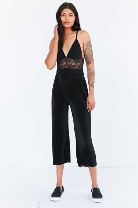 Silence + Noise Willow Pleated Cropped Pant