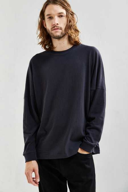 UO Box Drop Shoulder Long Sleeve Tee