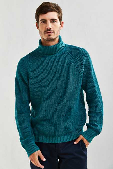 UO Cotton Turtleneck Sweater