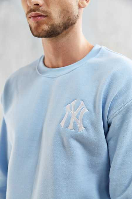 NY Yankees Embroidered Crew Neck Sweatshirt