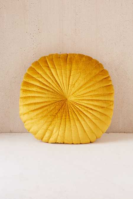 Shelly Round Velvet Pillow