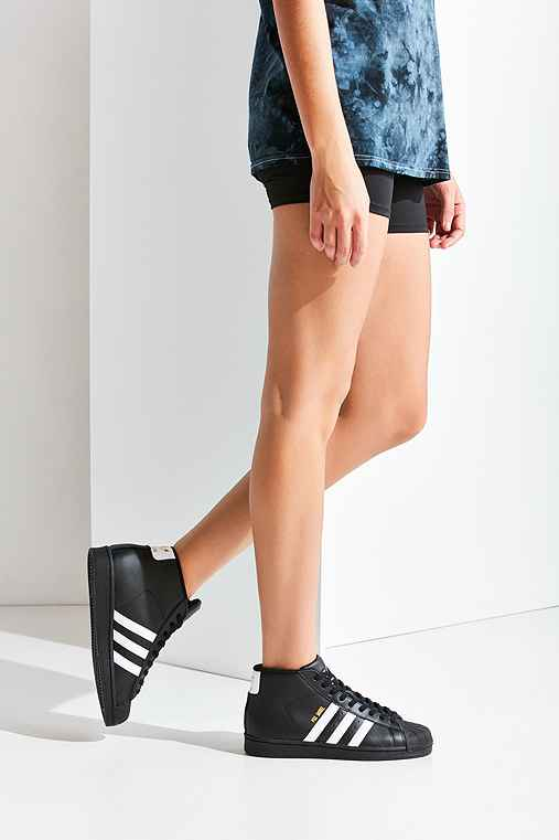 adidas Originals Black Pro Model Sneaker,BLACK,W 7.5/M 6