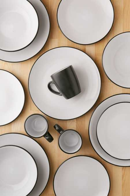 16-Piece Vivendi Dishware Set