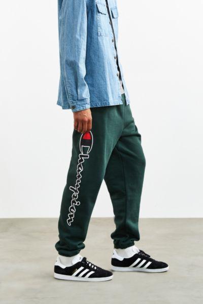 Champion + UO Reverse Weave Script Logo Sweatpant