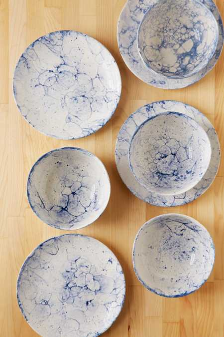 8-Piece Bubble Dinnerware Set