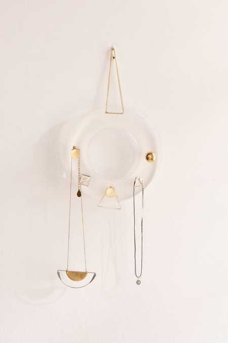Acrylic Circle Hanging Jewelry Storage