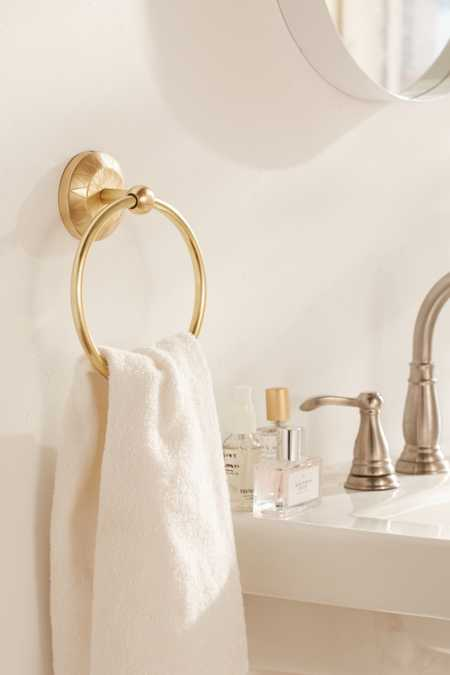 Satie Towel Ring