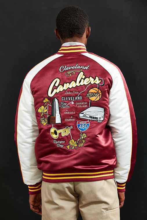 Starter X UO NBA Cleveland Cavaliers Souvenir Jacket,MAROON,XL