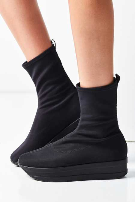 Vagabond Casey Stretch Ankle Boot