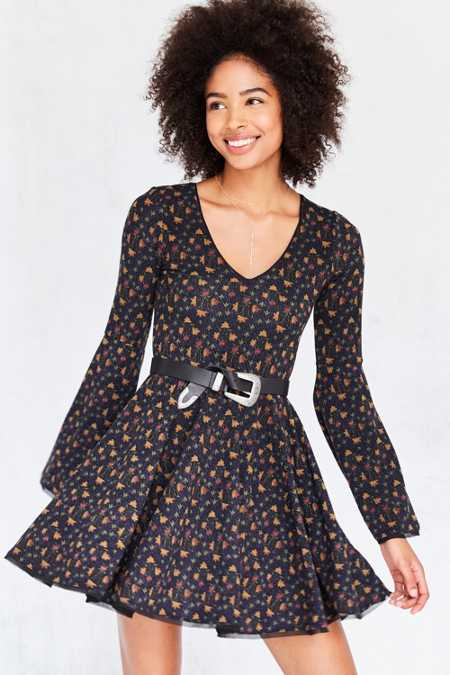Ecote Printed Knit Bell-Sleeve Mini Dress